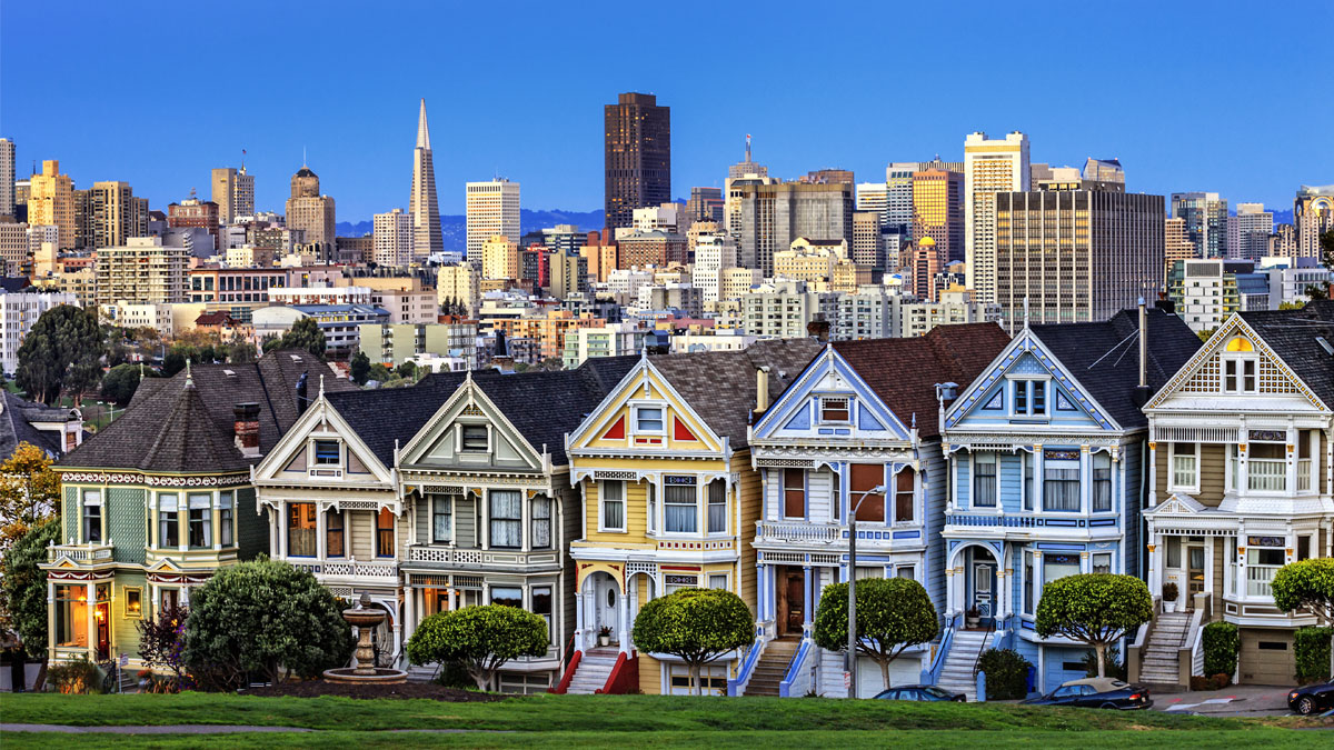 View from Alamo Square at twilight, San Francisco. - Image